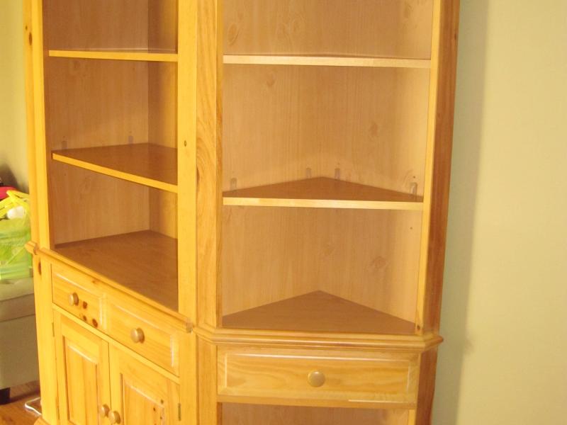 Broyhill Fontana Style Entertainment Bookshelves Storage Unit 0
