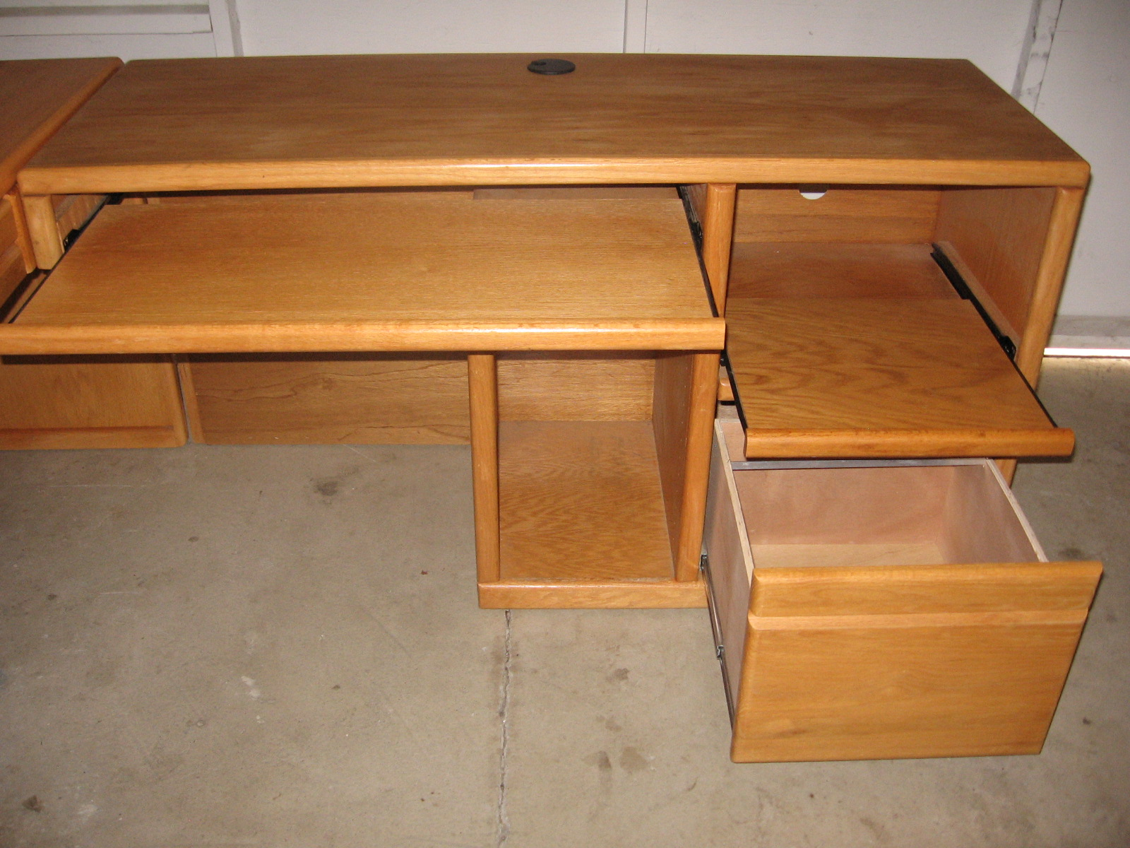 FOR SALE: SOLID OAK DESK, LARGE T.V., and PATIO TABLE and CHAIRS