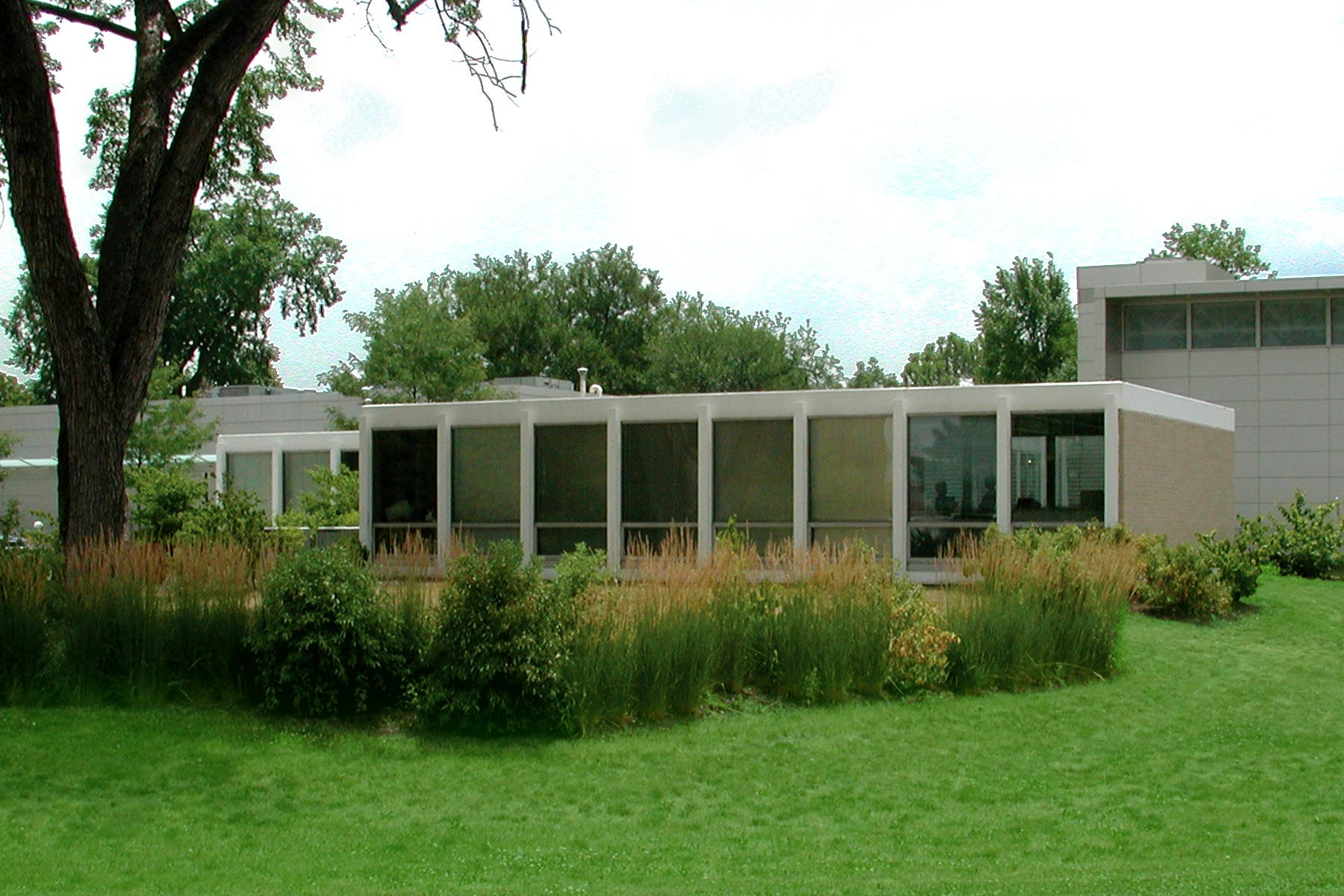 Two Illinois Firms Restore Mies Van Der Rohe House At Elmhurst Art