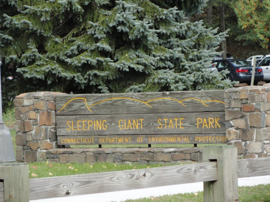 Wallingford man accused of hiking naked at state park