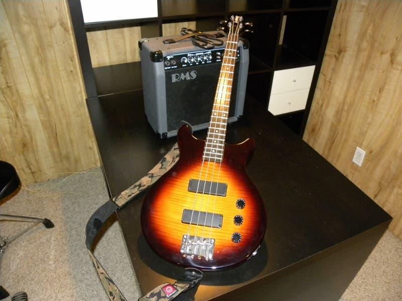 hamer slammer bass guitar amp marshall guitar amp for sale sayville ny patch. Black Bedroom Furniture Sets. Home Design Ideas