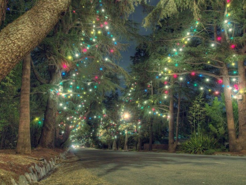 Altadena Kicks-Off Holidays With Annual Christmas Tree Lane, Festival - Altadena Kicks-Off Holidays With Annual Christmas Tree Lane