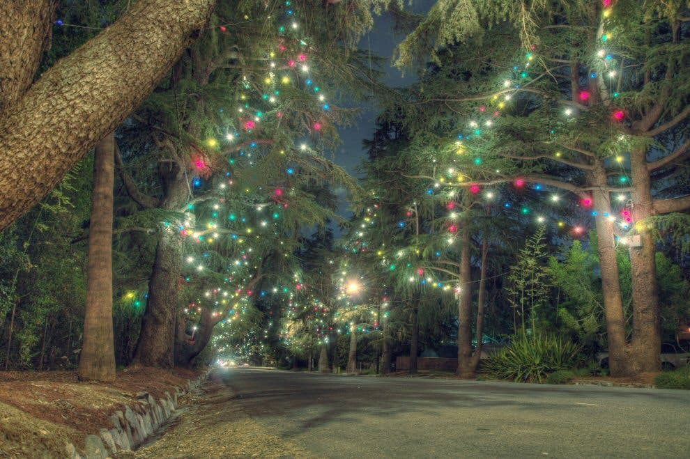 Christmas Tree Lane.Altadena Kicks Off Holidays With Annual Christmas Tree Lane