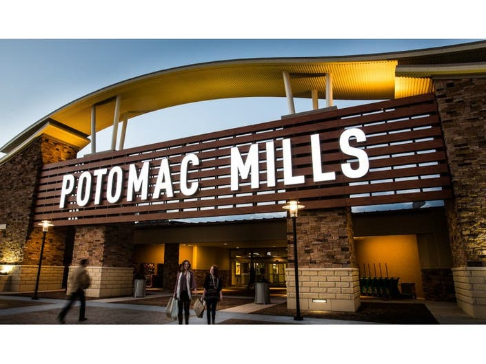 f204ba2c4 Easter Bunny Hopping to Potomac Mills for Photo Experience