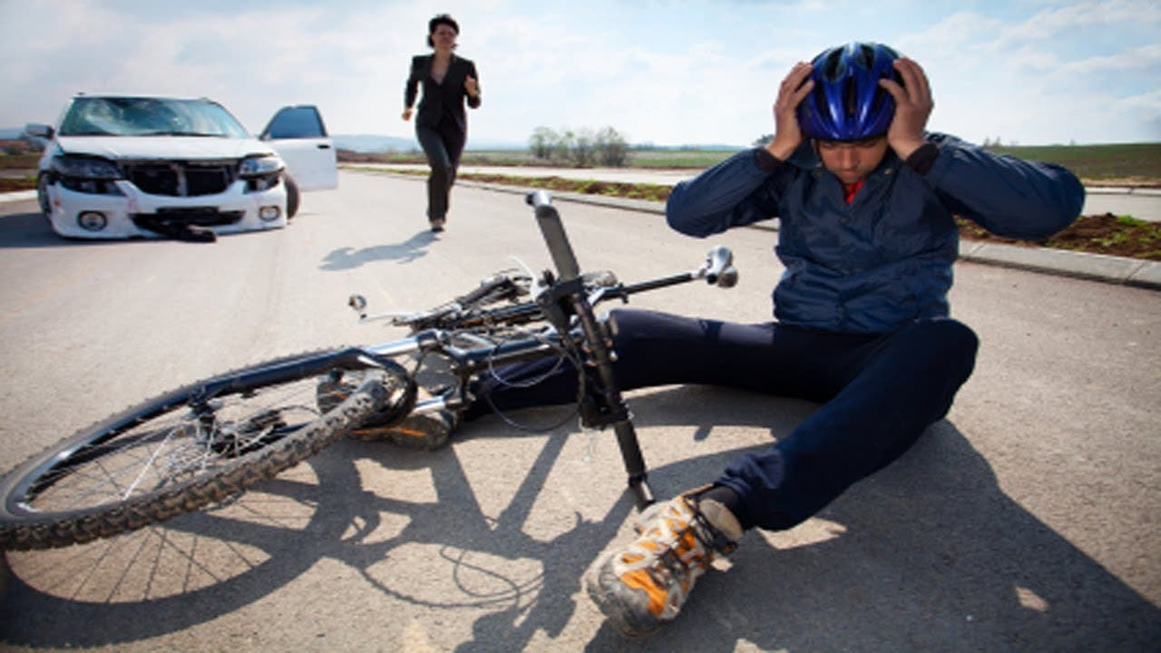 Auto Accidents Involving a Cyclist - Who's At Fault?   Los
