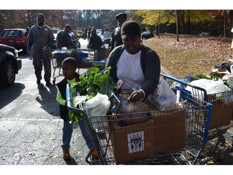 Cascade United Methodist Church To Distribute Over 1000 Thanksgiving Bo To The Southwest Atlanta Community