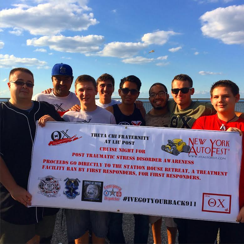 THETA CHI FRATERNITY FROM LIU POST HELPING FIRST RESPONDERS