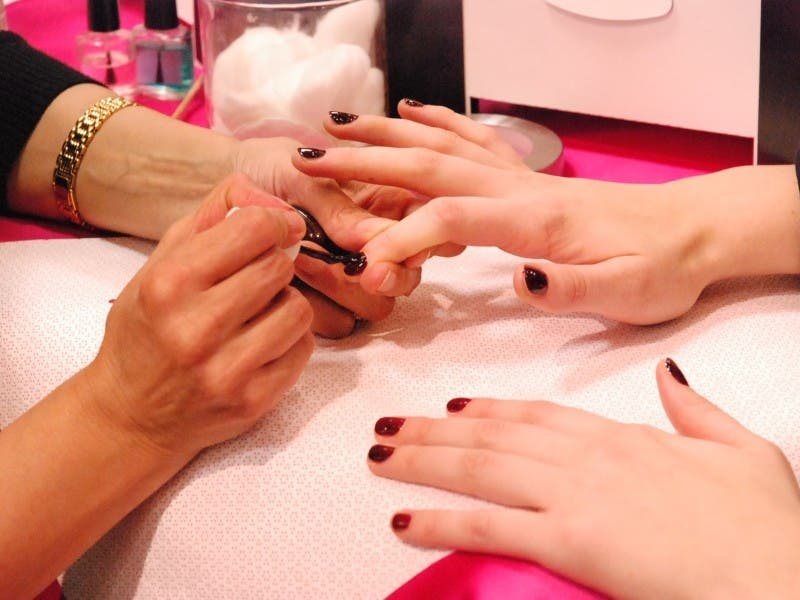 Brand New Nail Salon Coatroom Coming To Ton This Month