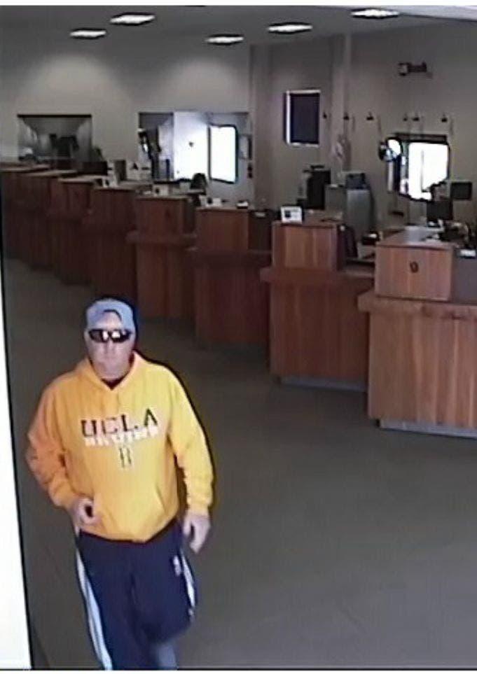 UCLA-Attired Man Robs Redondo Beach Bank | Redondo Beach, CA