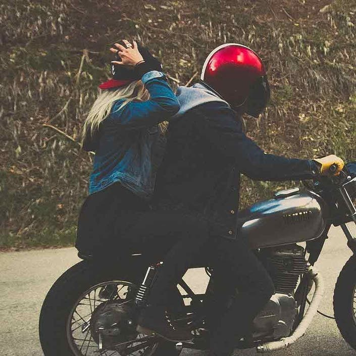 what states do not have helmet laws