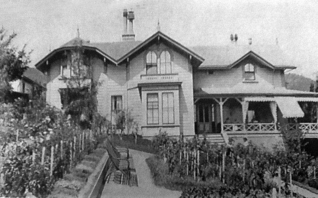 History: The Gerstle and Schloss Families Savored Summers at Violet