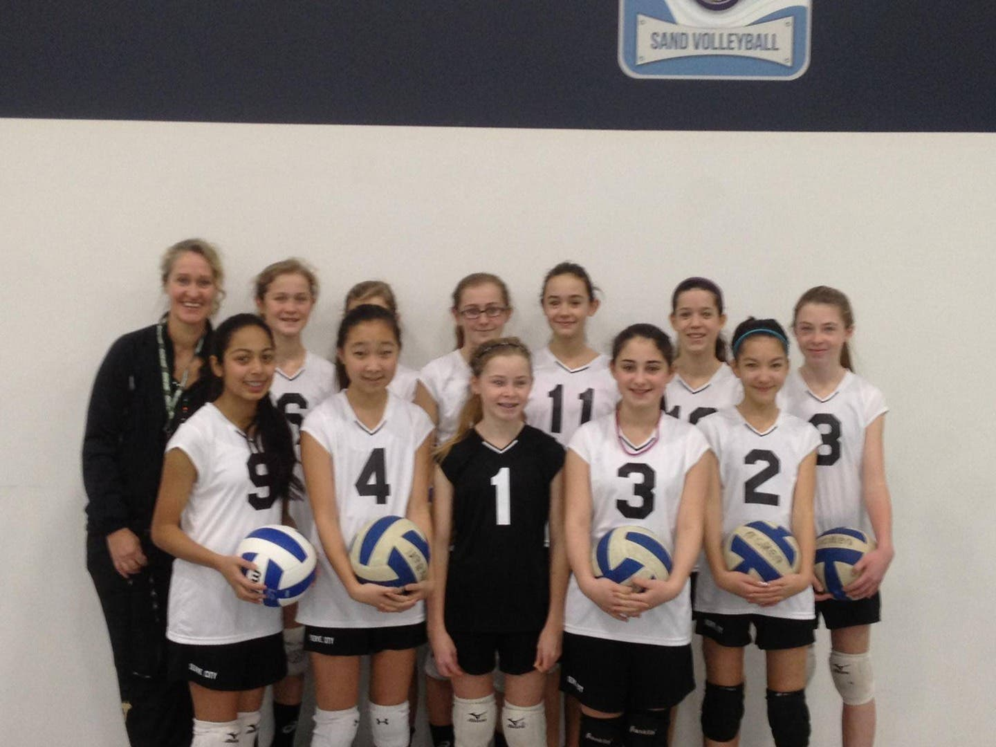 New Geneva girls volleyball club holding free tryouts Oct  28