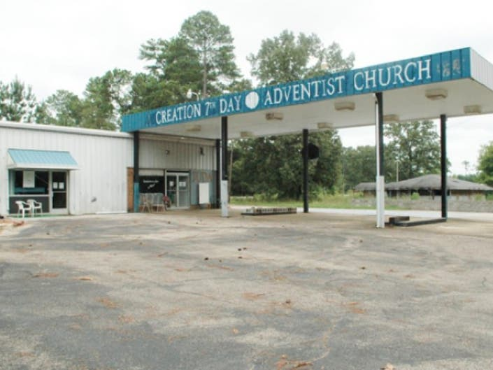 Sign Unchanged For Church Founded By Tennessee Pastor Arrested In