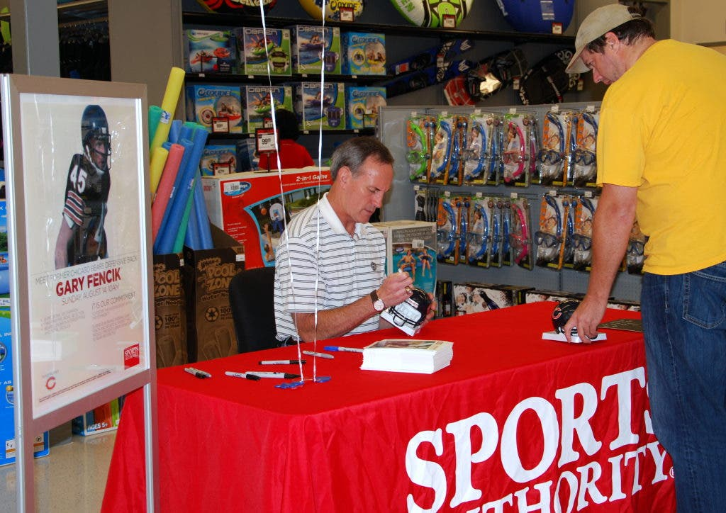 6fee5968eaf ... Former Bears Star Gary Fencik Helps Open New Orland Hills Sports  Authority-7 ...