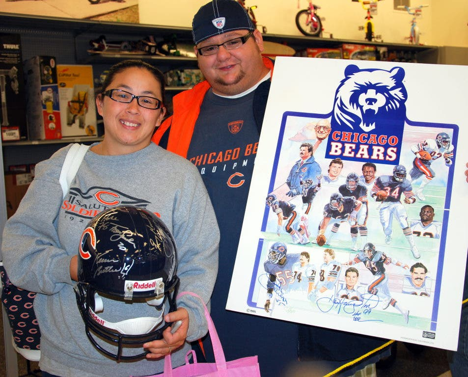 ed6eda575c2 ... Former Bears Star Gary Fencik Helps Open New Orland Hills Sports  Authority-8 ...