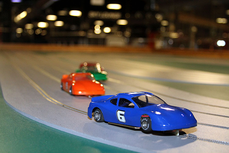 1/15/ · Buzz-a-Rama is one of those idiosyncratic New York City mom and pop shops you hope will never close.It has the added distinction of being the last slot car raceway in New York City, originally.