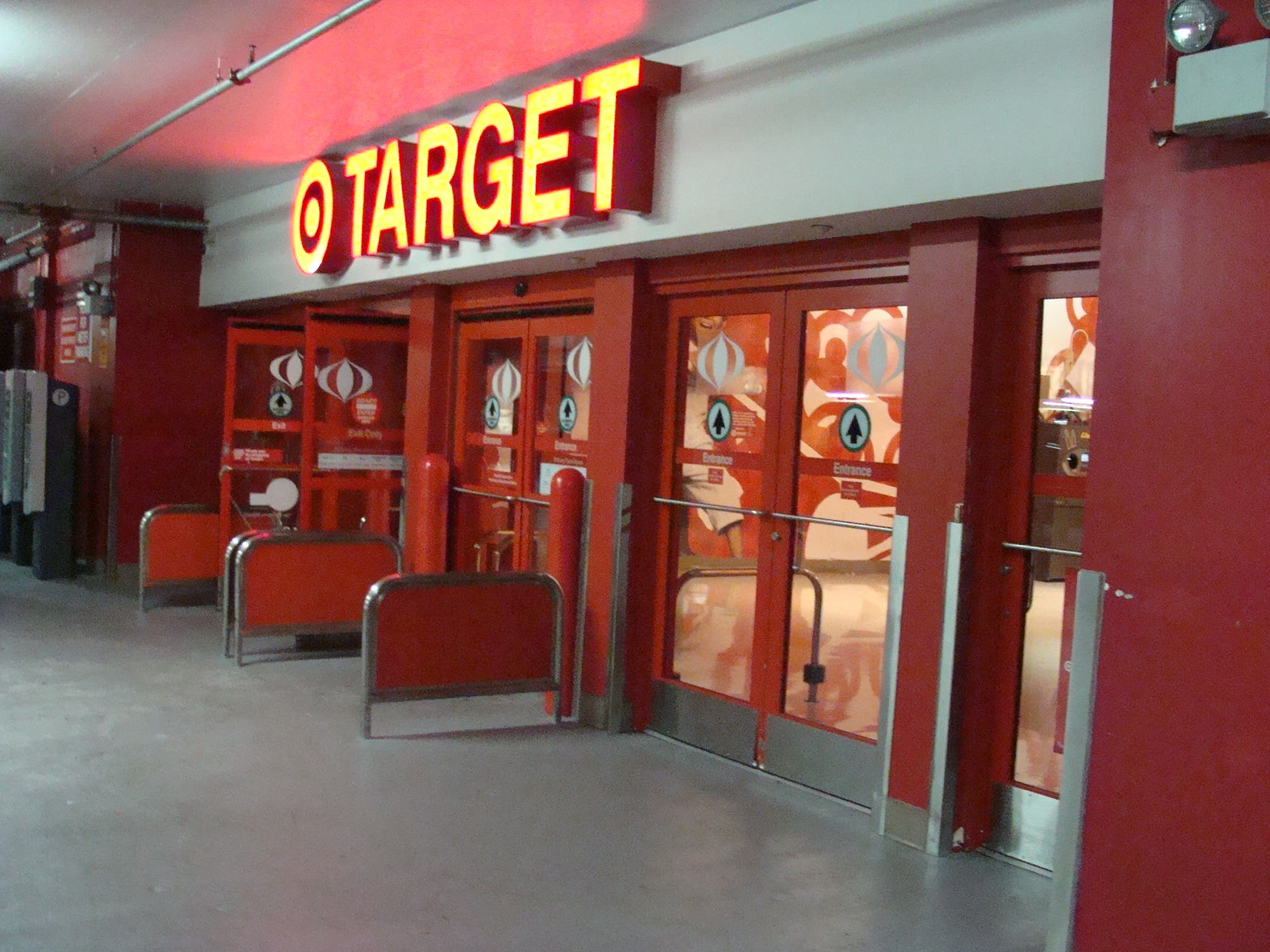 「target whiteplains」の画像検索結果