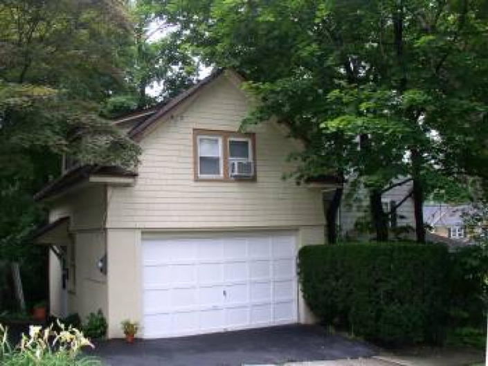 Private One Bedroom Apartment Over Garage For Rent