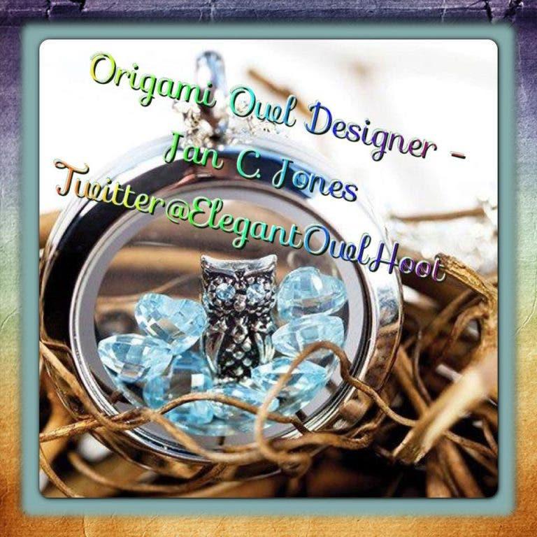 origami owl) holiday jewelry bar - See Vanessa Craft | 768x768