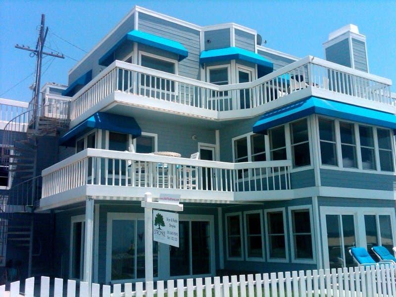 90210 House Still On The Market