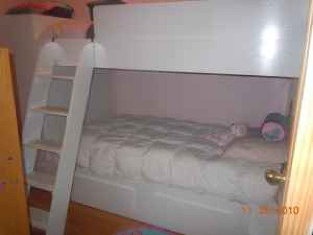 Area Craigslist Finds Two Vending Machines And A Bunk Bed Miller Place Ny Patch