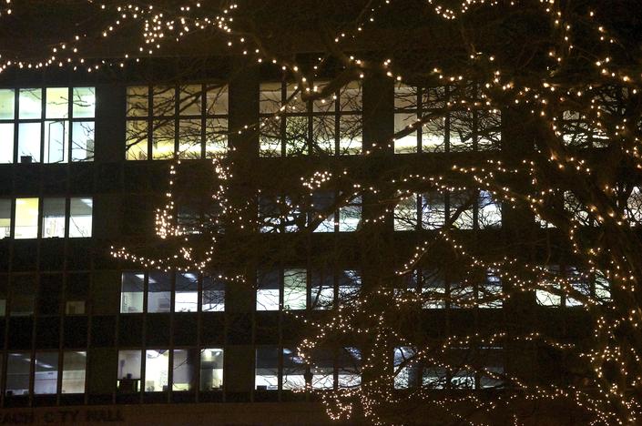 Kennedy Plaza Christmas Tree Lighting 2020 Photos: Kennedy Plaza Decked Out for Christmas | Long Beach, NY Patch