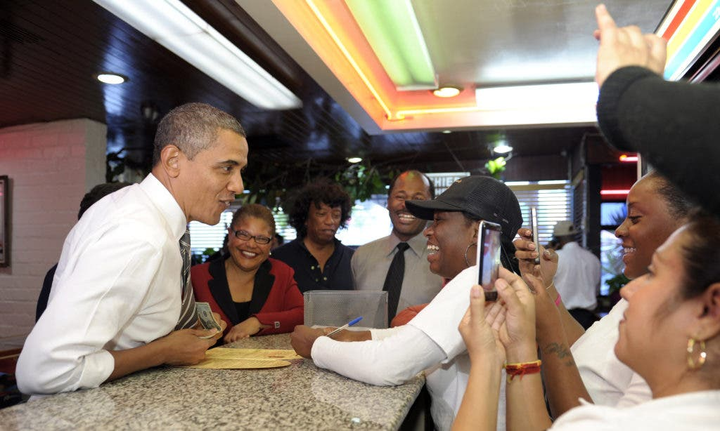 Photos: Obama Gets Take-Out at Roscoe's Chicken & Waffles