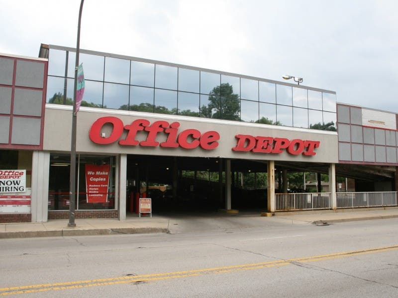 Neighbors Peion Against Proposed Office Depot Sign Evanston