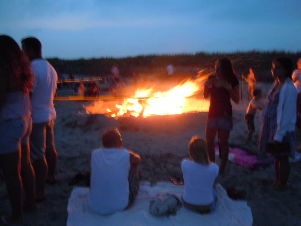 Middletown Stoked for Thursday Night Beach Bonfire ...