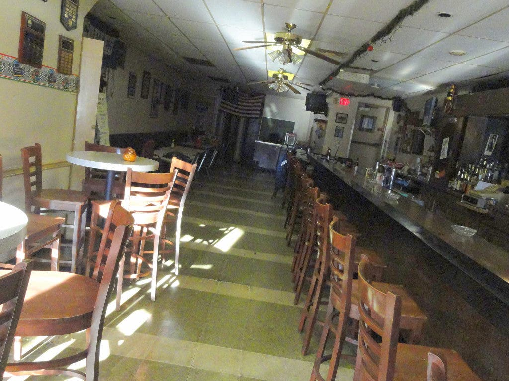 On Pearl Harbor Day, VFW Hall in Ardmore Is Hanging in There ... on