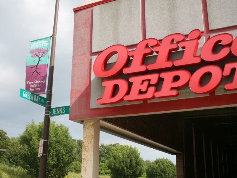 Office Depot Officemax To Merge In 1 2 Billion Deal