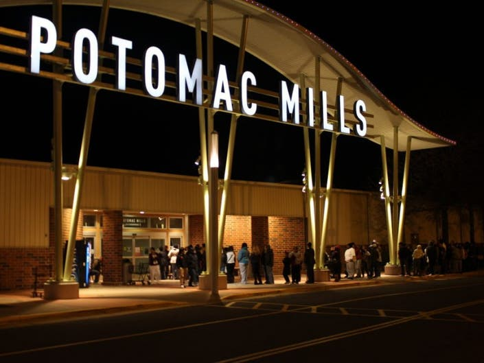 169edf763a Potomac Mills Offers Discounts to Holiday Tour Groups
