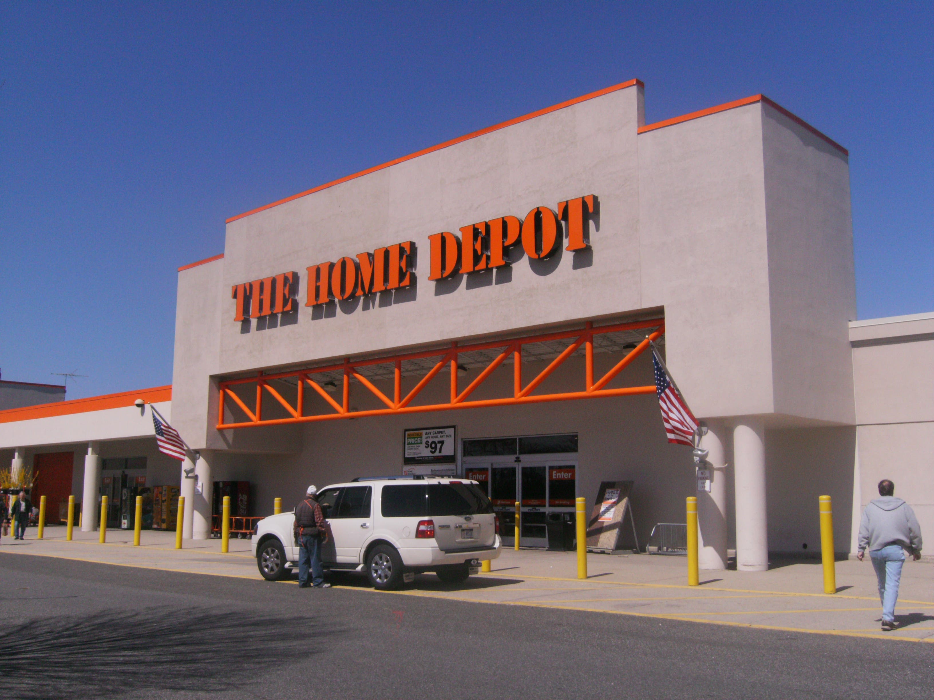 Crime Report: Two Caught Stealing from Home Depot | Commack