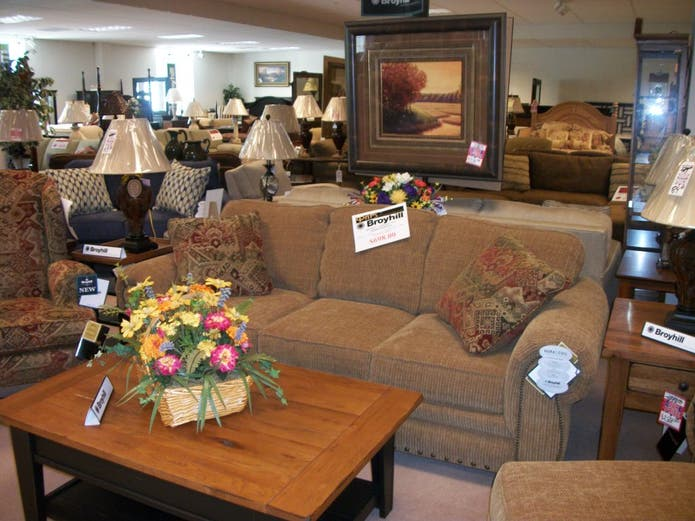 Mableton Furniture Store Celebrates 50th Anniversary