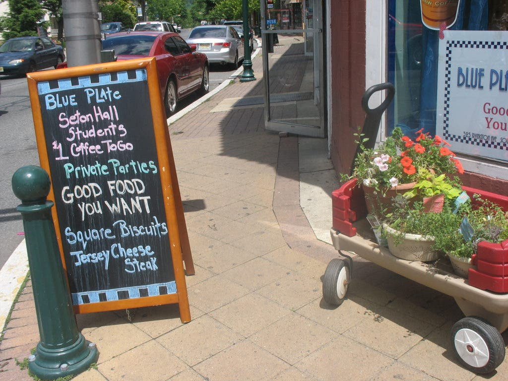 Blue Plate Special: Good Food You Want in Pirate Cove