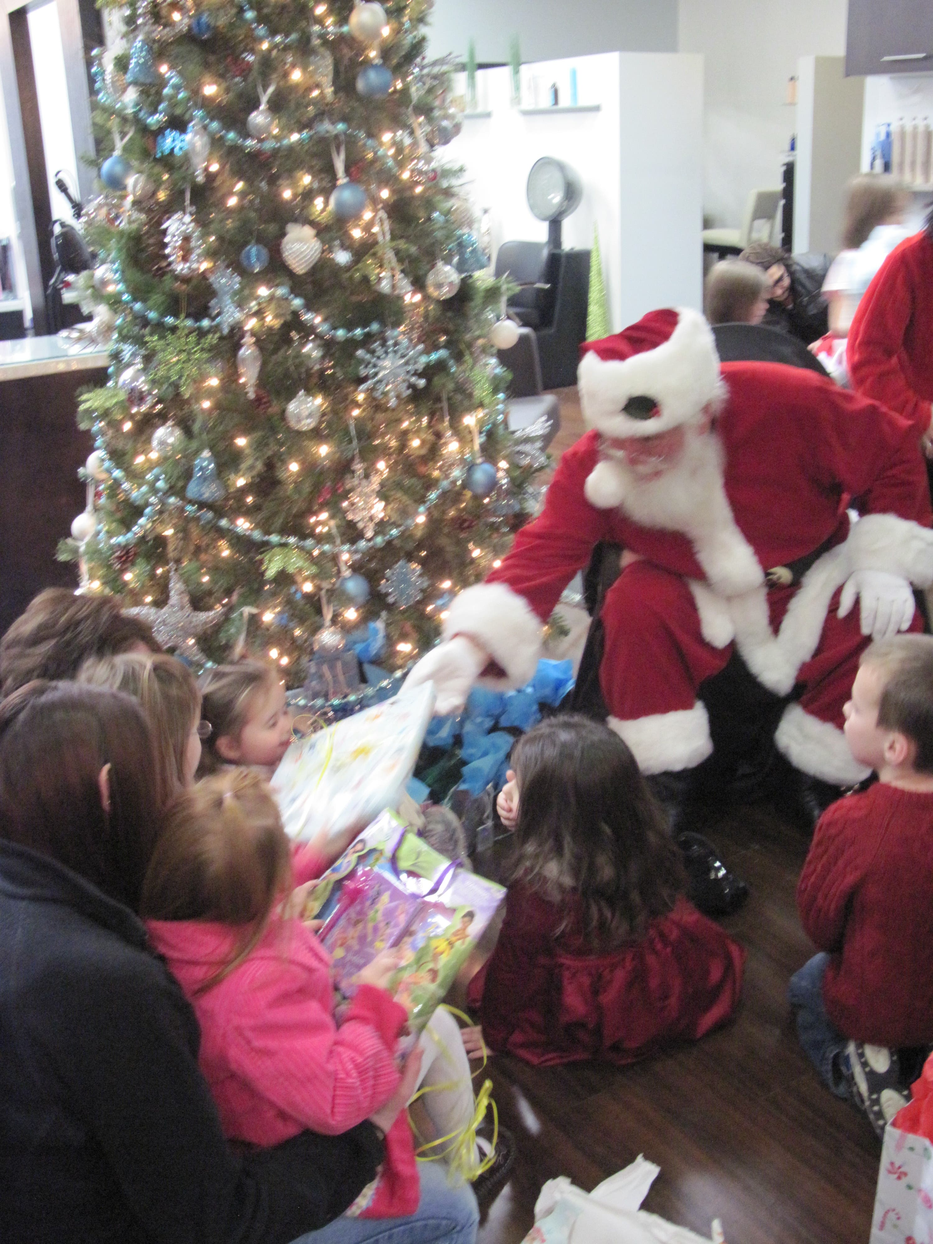 Things To Do On Christmas Eve.6 Things To Do On Christmas Eve Chelmsford Ma Patch