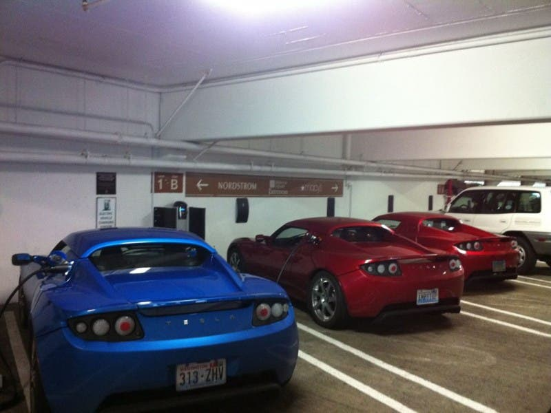 Bellevue Square Lincoln Square Install Electric Vehicle Charging
