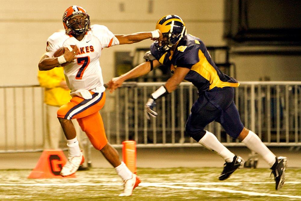 best service d81ea fa7cc High School Football: Lakes' Cedric Dozier, Zach Banner ...