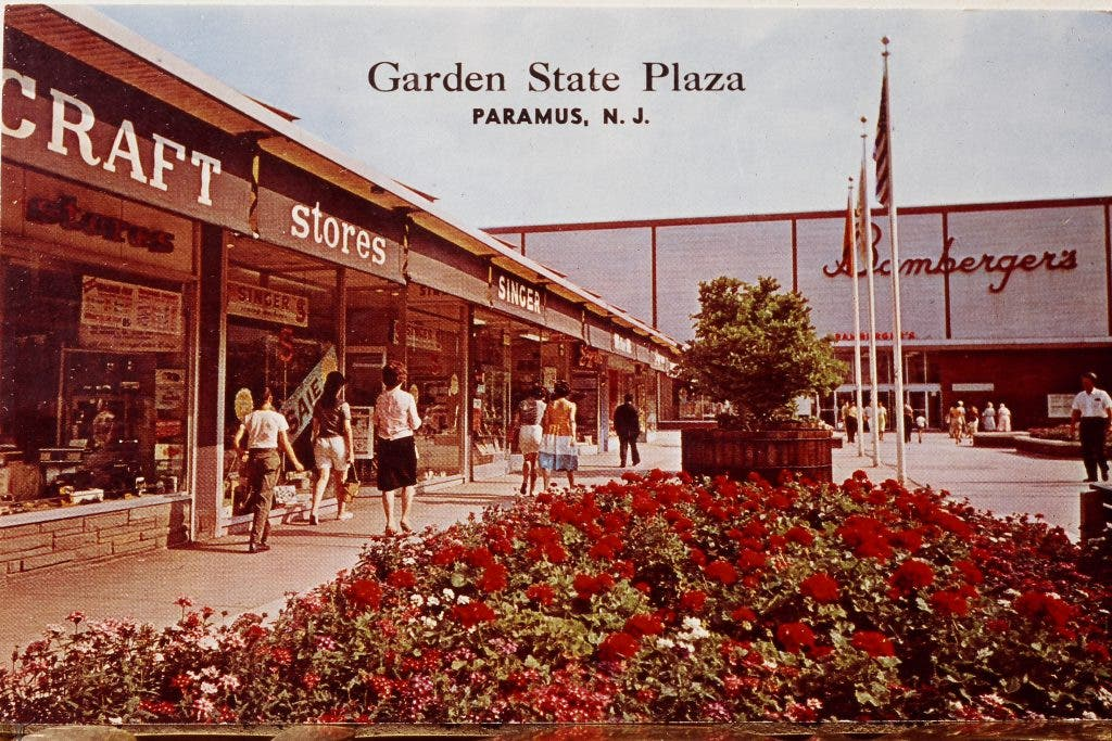 Remember When the Garden State Plaza Looked Like This