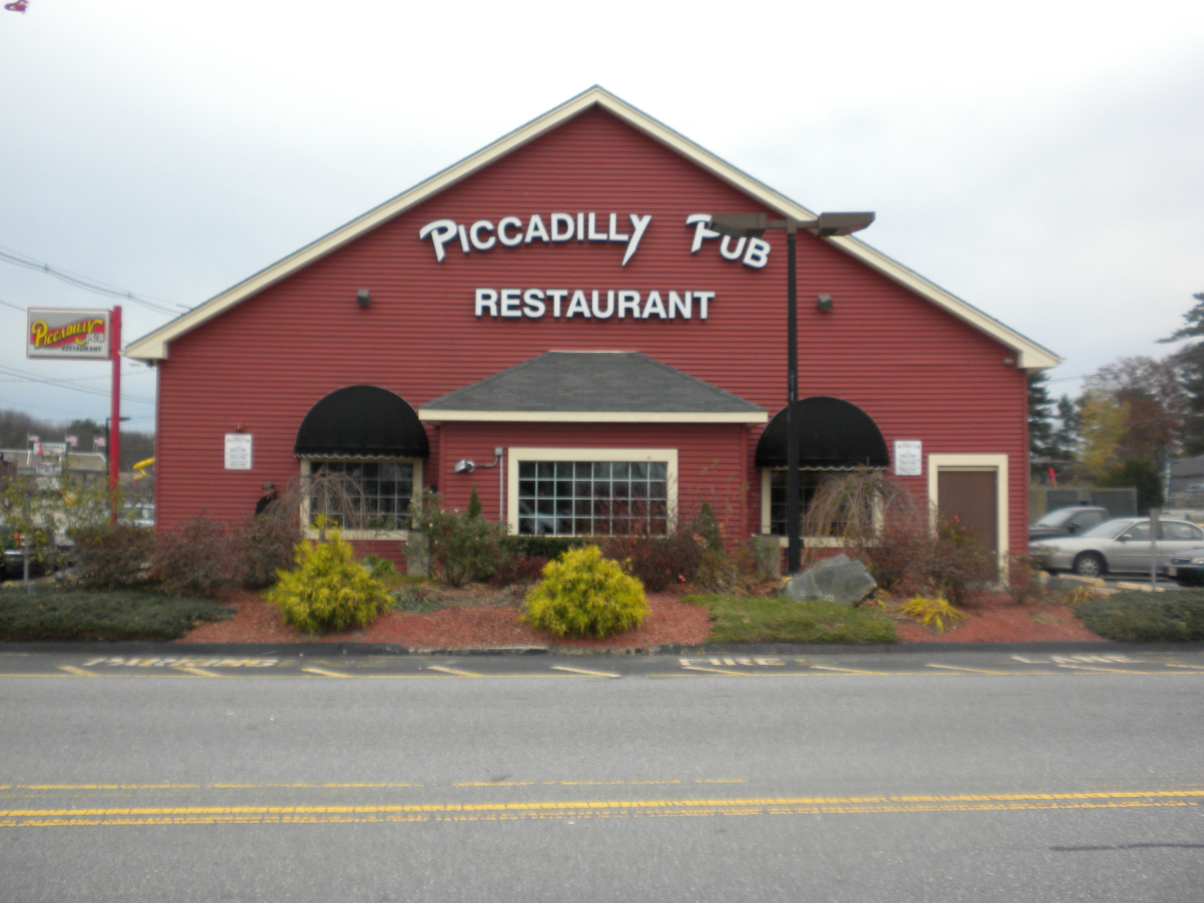 Joe Fish May Be Moving Into Old Piccadilly Pub Location
