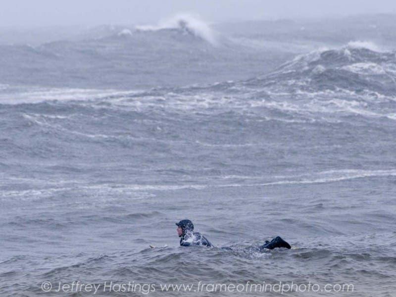 Crowd Flocks To Hampton Beach Get Hit By Hurricane Waves Video 0