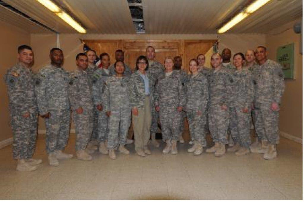 Gen  Dunwoody, AMC commander visits her former battalion   Fort