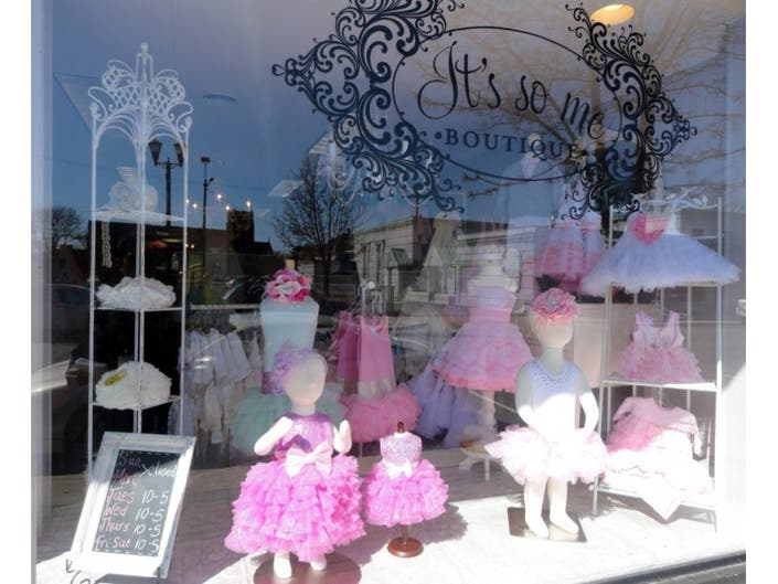 a4d4cde7e30 ... It s So Me Boutique Styling in New Location- ...