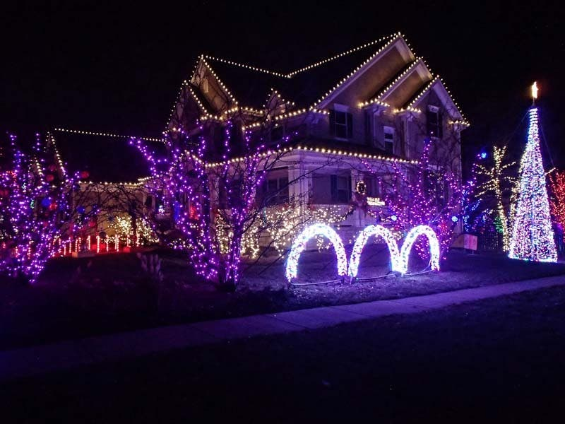 homes with the best holiday lights in palatine arlington heights and beyond - Best Christmas Decorated Houses