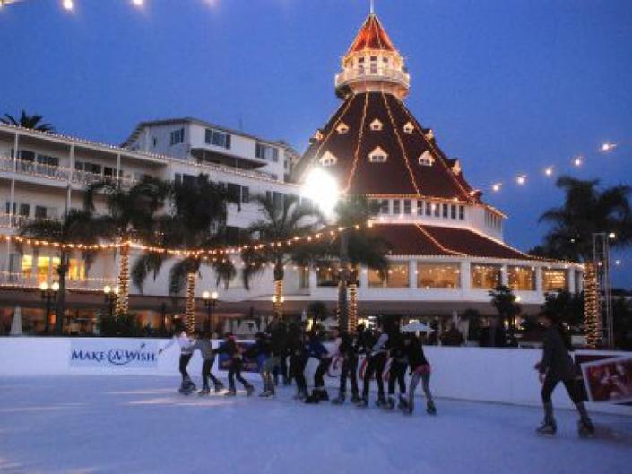 27 4 Seaside Ice Skating Opens At The Hotel Del Coronado Nov