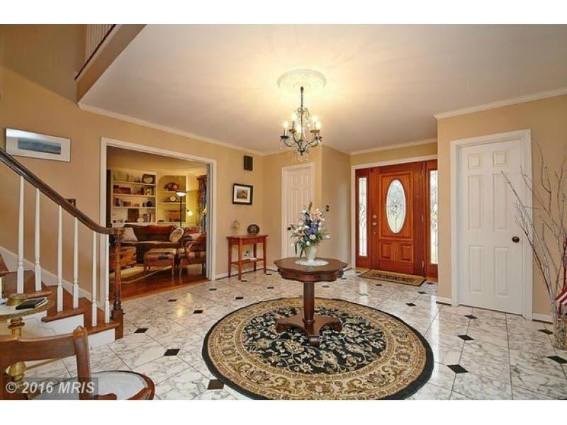 Look Inside 625k Home W Marble Foyer Huge Master Suite 2 Tier