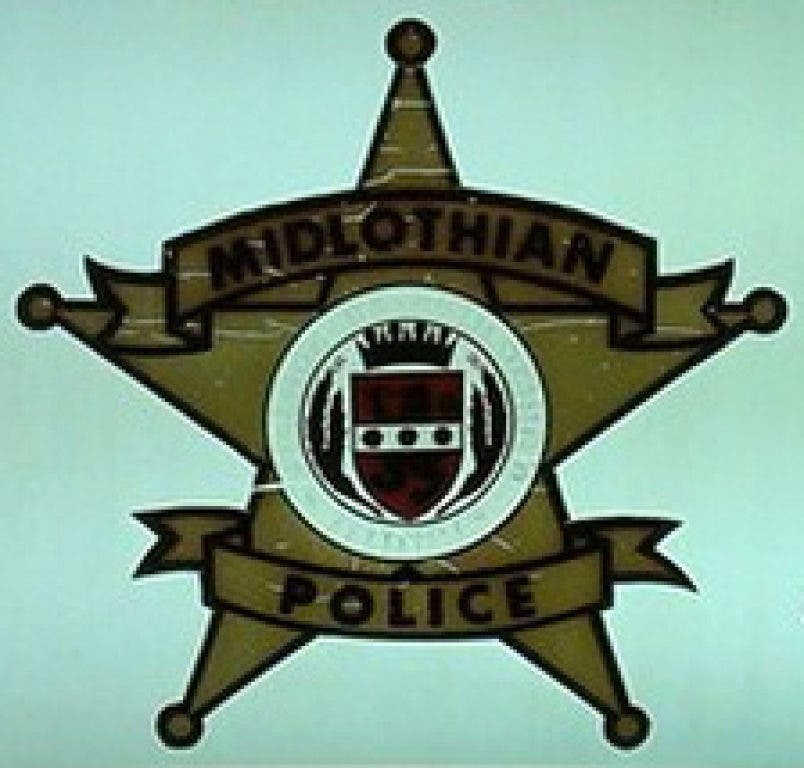 Woman Punches Another Woman Outside Bar: Midlothian Police