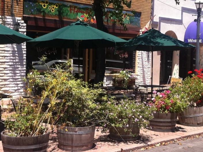 Nominate the Best Outdoor Seating Restaurant | Basking Ridge