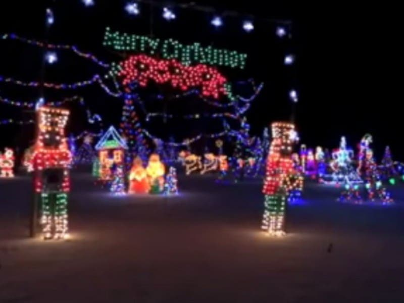 tell us where are the best christmas light displays