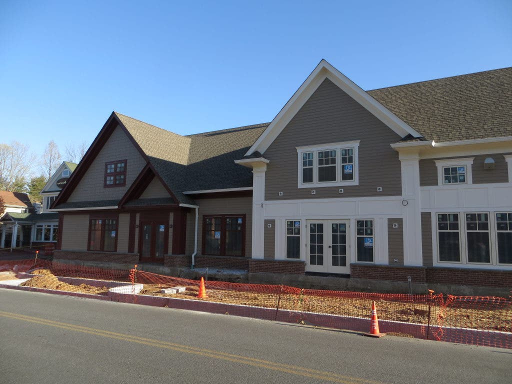 Armonk Retail Roundup New Restaurant To Open Late This